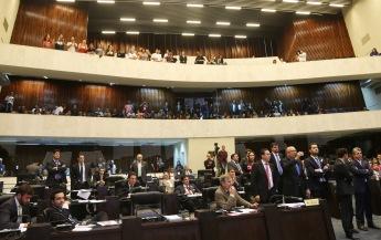 Projeto sobre eleições de diretores de escolas é aprovador em primeiro turno, na sessão plenária da Assembleia Legislativa do Paraná. Curitiba, 05/10/2015. Foto: Orlando Kissner/ANPr