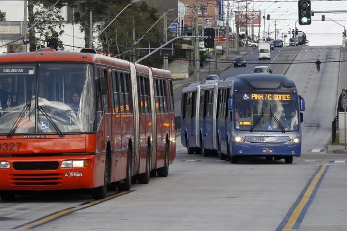 ônibus velho x ônibus novo