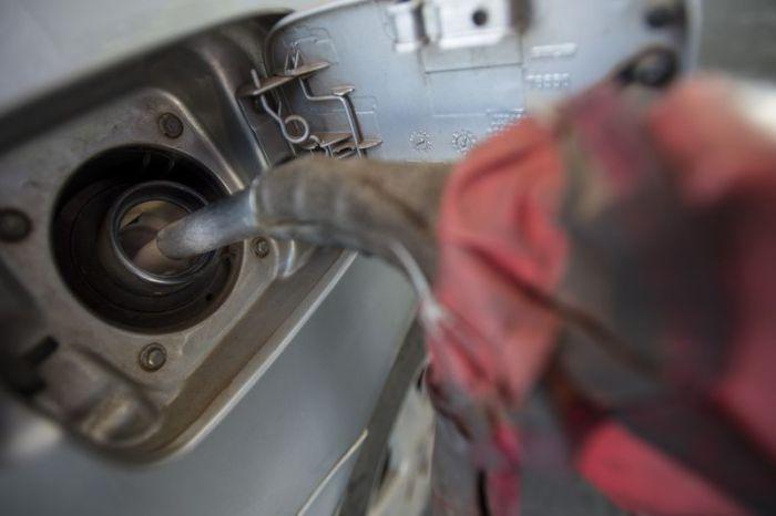 Entram hoje (7) em vigor os novos preços da gasolina e do óleo diesel. O reajuste da gasolina é de 3%. Já o aumento do diesel será de 6%. (Marcelo Camargo/Agência Brasil)